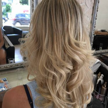 Haarschnitt, blond - Vision Hair